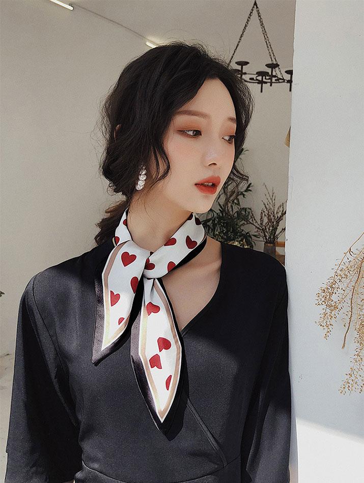 スカーフ《総柄リバーシブルツイリースカーフ 全12タイプ》