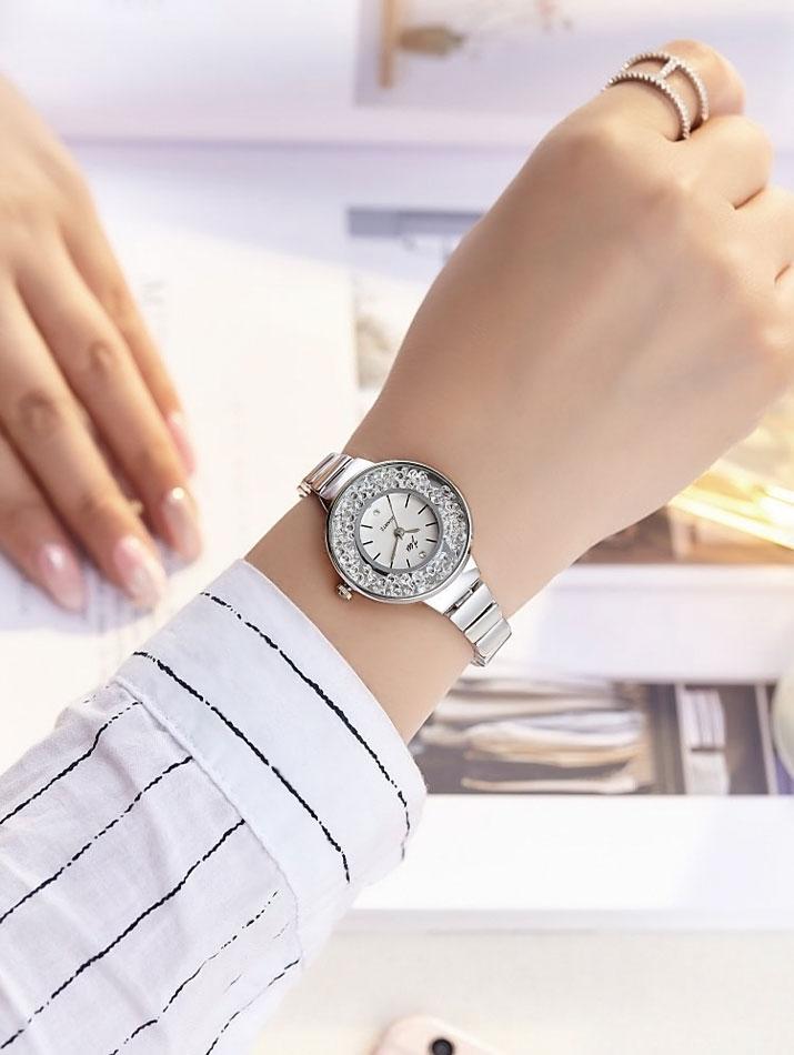 腕時計《チェーンベルトデザインパヴェドレスウォッチ 全2色》